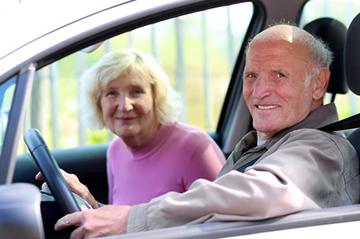счастливые пенсионеры без налогов за рулем железного коня